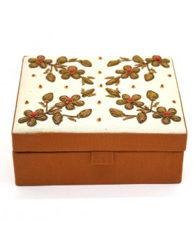 Beaded Floral Jewelry Box