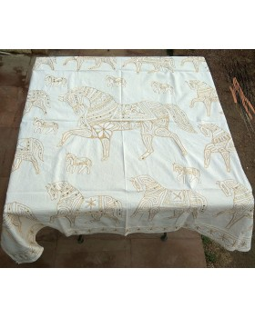tablecloth white color with golden layer