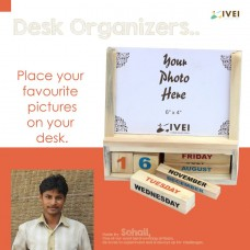 IVEI Wooden desk calendar with a photo frame