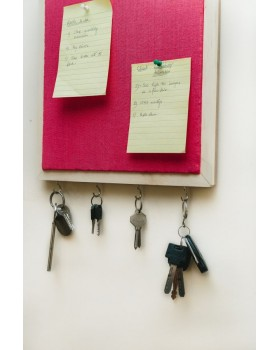 IVEI Wooden Pin board with key hooks - Pink